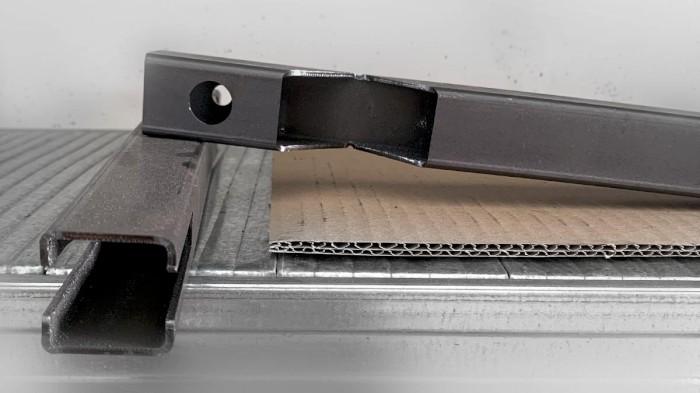 Produzione di componenti industriali metallici con taglio laser tubolare - 9